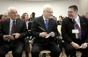 Novi dekan FFZG prof. dr. sc. Vlatko Prevšić, predsjednik Republike Hrvatske prof. dr. sc. Ivo Josipović i dr. sc. Željko Heimer na otvorenju skupa (Foto: FAH, Index.hr)