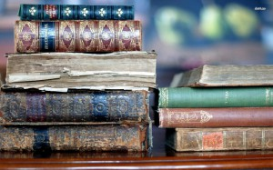 17477-old-books-1680x1050-photography-wallpaper